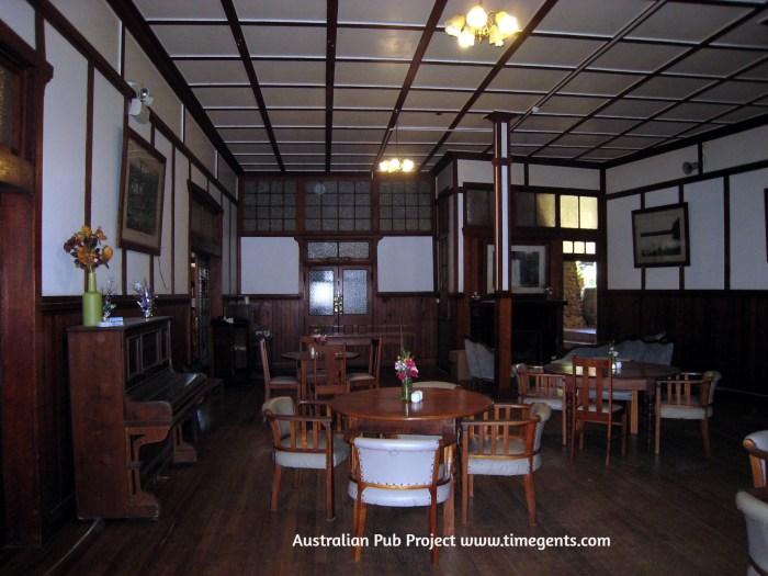 Yungaburra Hotel dining 4 TG W