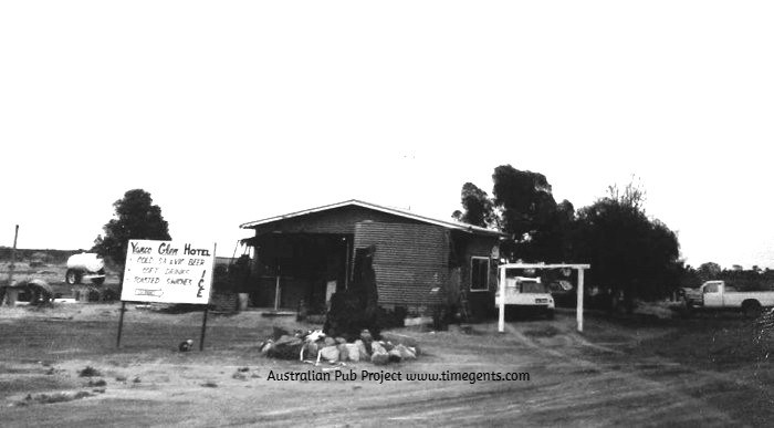 Yanco Glen Hotel NSW 1987 1 BW