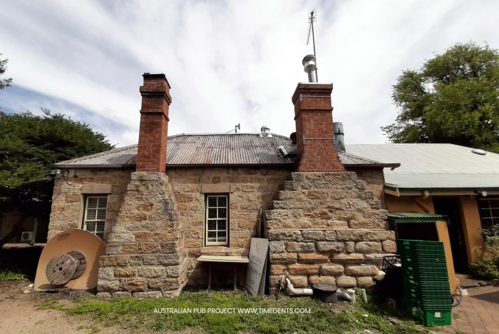 Oconnell hotel oconnell nsw back standstone TG W