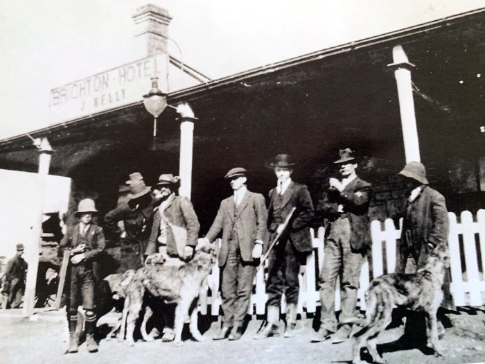 John Hogan old man behind dog with his sons outside Brighton Hotel Oberon picture Bernadette Hayden LOOP Facebook Group edited