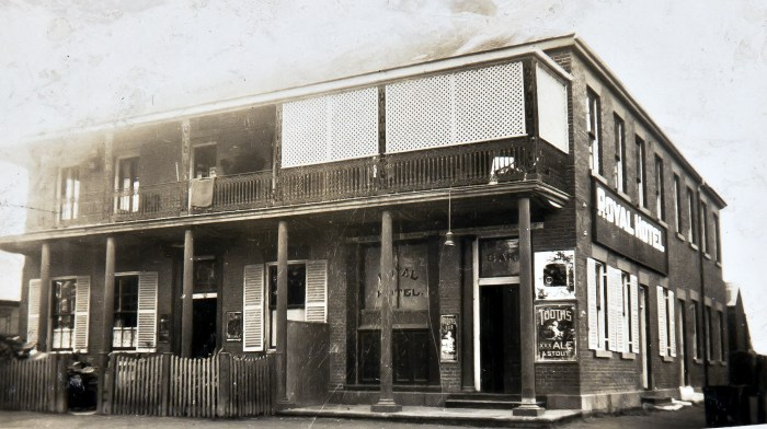 Royal Hotel Richmond NSW May 1924 NBA ANU