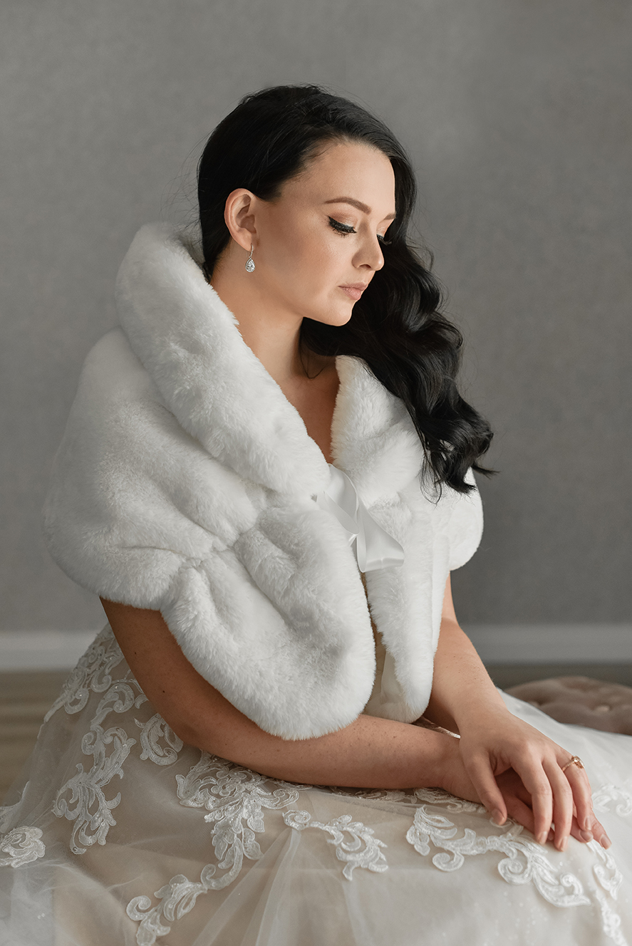Faux Fur Shawl – With Bow (Rental Only)