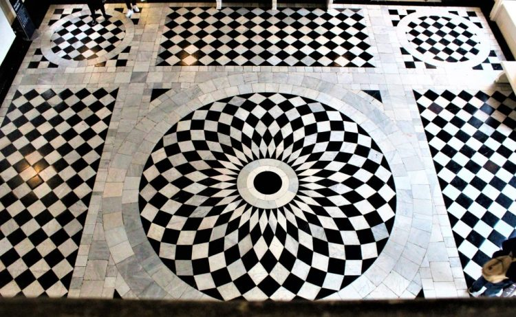 Queen's House: The floor of the cubic Great Hall.