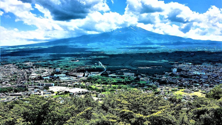 A Day trip from Tokyo: Unobstructed view of Mount Fuji from the observation deck in Mt Tenjo