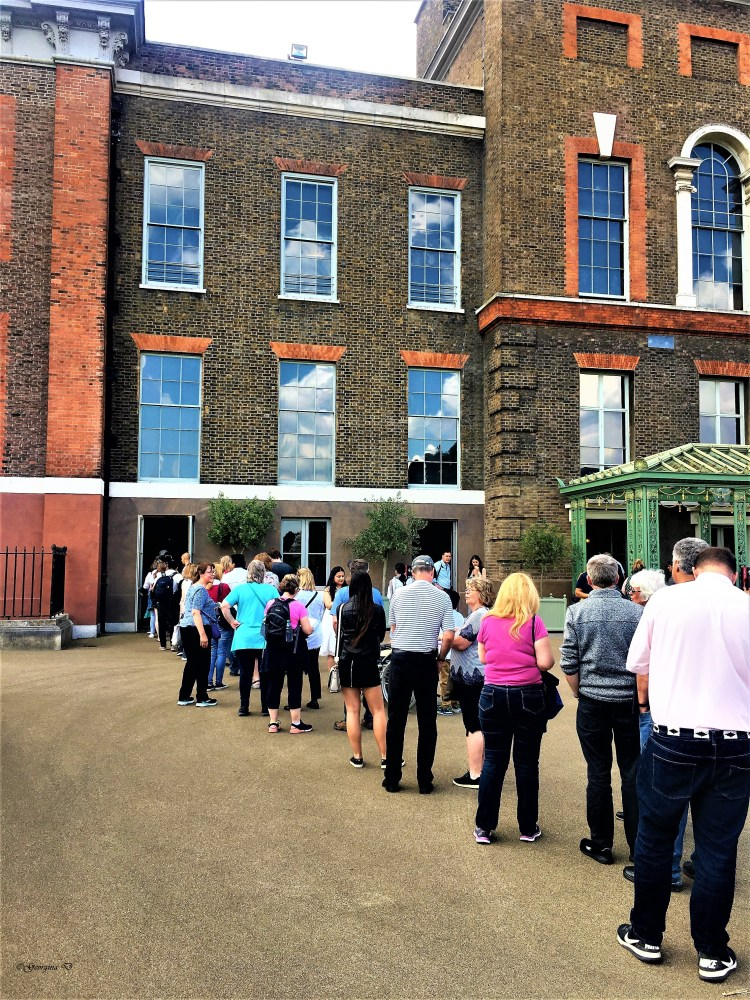 Kensington Palace: The queues at the ticket office for, Discover the Real Victoria exhibition was long!
