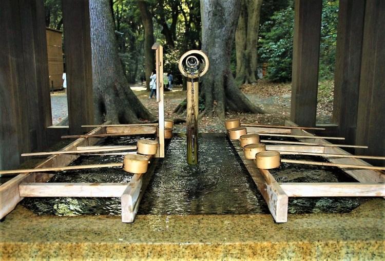 Purification station.Chozuya | Etiquette at a Shinto Shrine