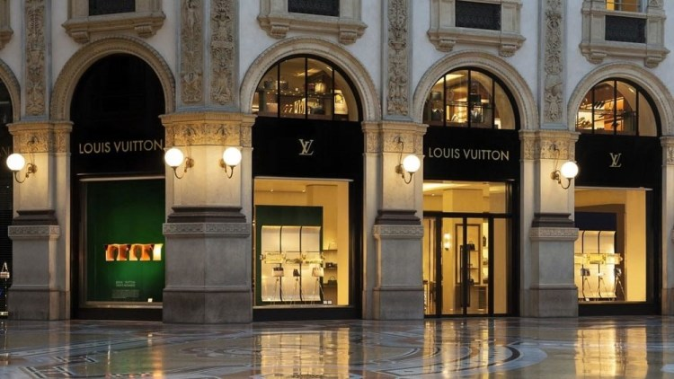 Louis Vuitton at Galleria Vittorio Emanuele II
