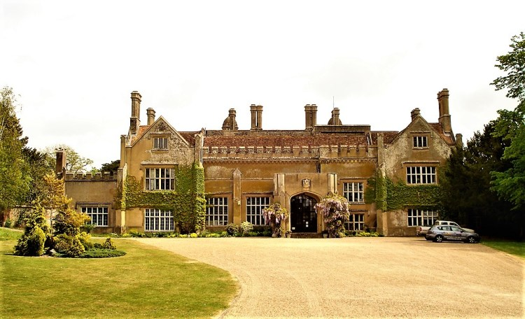 Marwell Hall | Hampshire | Britain's Most Well Travelled Ghost