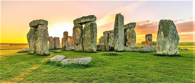 presently march 2021 sunrise stonehenge