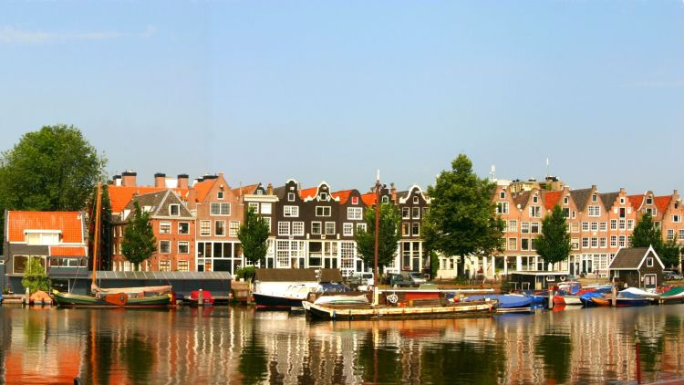 practical travel information for Amsterdam