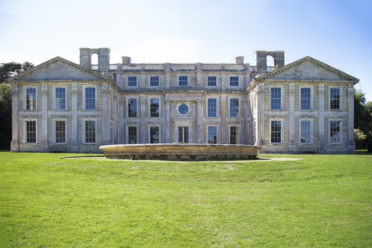 Appuldurcombe House haunted places on theIsle of Wight