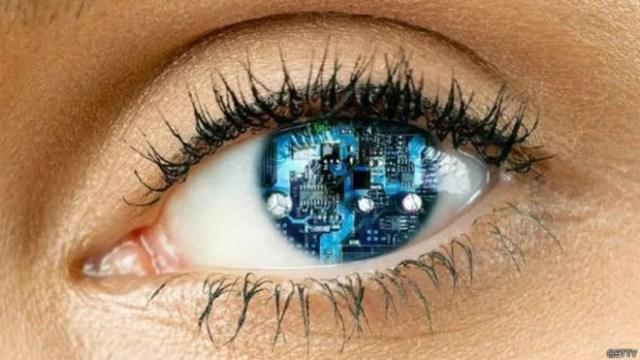 Como é ver o mundo com um olho biônico? - Canaltech