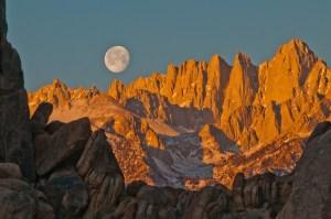 Mt Whitney, Sierra Nevada, sunrise, alpenglow, moonset