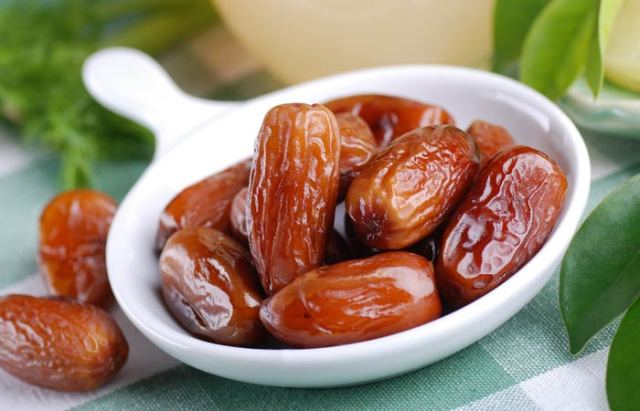 how to lose weight fast? eat dates for weight loss. tips to lose weight fast. weight loss tips. weight loss diet.