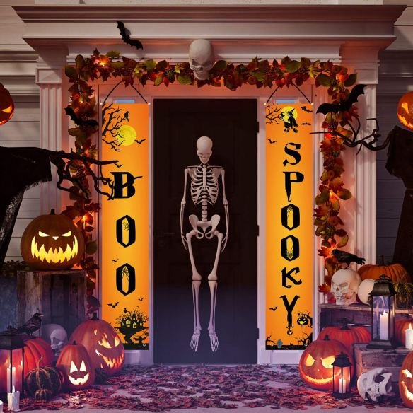 Decorate your front door with this Boo Spooky Halloween banner and fill your home with festive atmosphere. This orange and black colour banner as bright and elegant accessories for your Halloween parties.