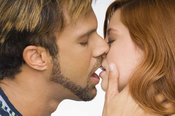 ways to turn a good kisser