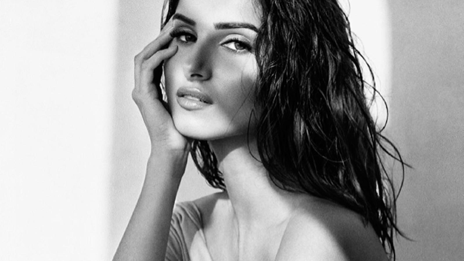 Tara Sutaria spreads monochrome magic with new pic | Hindi Movie News – Bollywood – Times of India