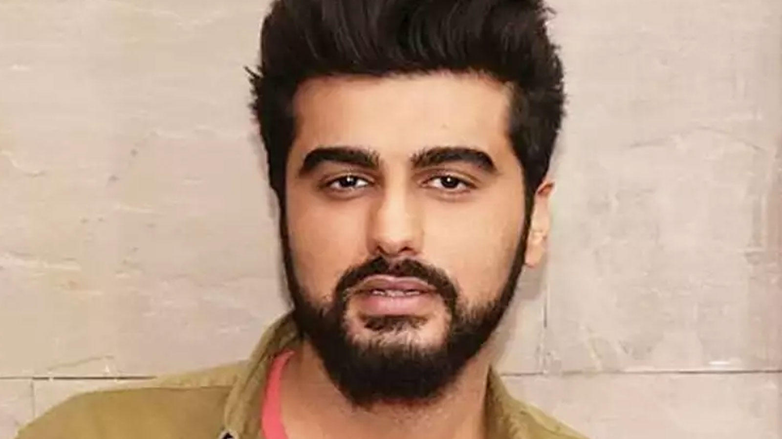 From Arjun Kapoor to Warina Hussain, B-Town celebs who created buzz on social media recently | Hindi Movie News – Bollywood – Times of India