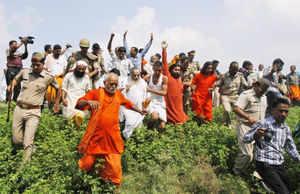 Massive security foils VHP yatra in UP, hundreds arrested