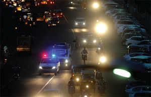 No lal batti: Chennai halts traffic to save life