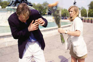 10 Cruel things women do to men