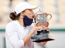 19-year-old Iga Świątek Wins French Open, Becomes Poland's First Grand Slam Singles Champion