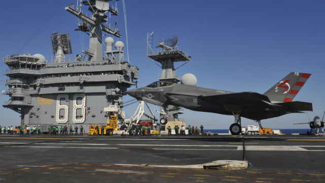 F-35C lands on USS Nimitz