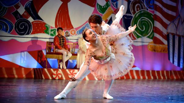 The Sugar Plum Fairy and Cavalier. Nutcracker ballet