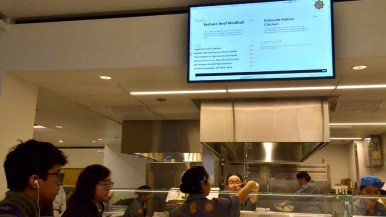 UCSD Students are served at the kosher portion of the restaurant. Photo by Chris Stone