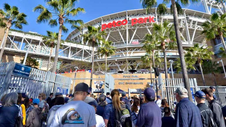 Fans lined up early to see this season's San Diego Padres at Fanfest. Photo by Chris Stone