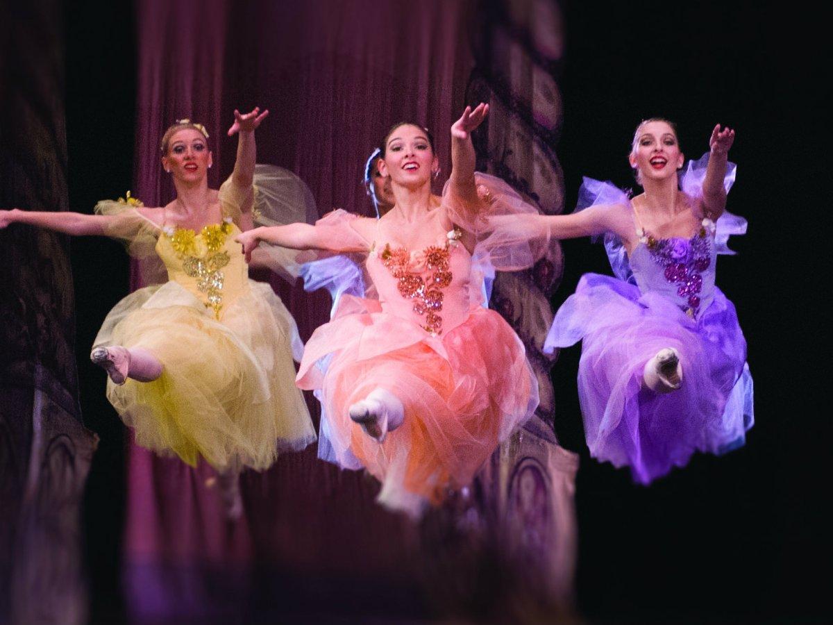 Nutcracker ballet sugar plum fairies