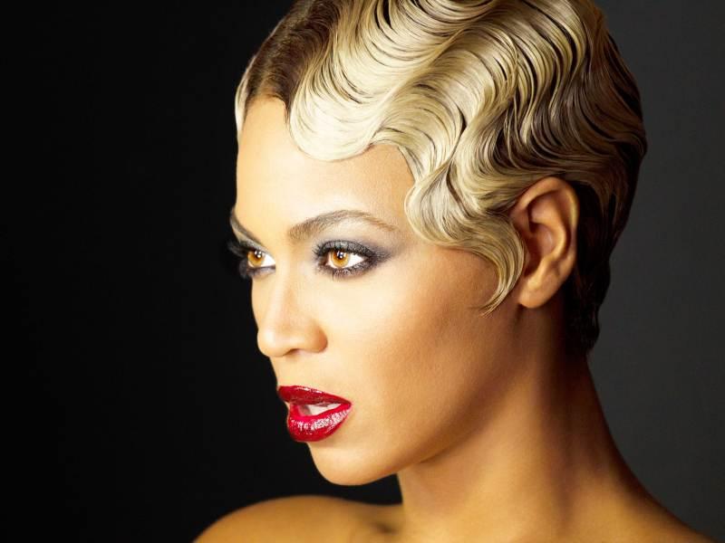 Beyoncé_HAUNTED_NICKFARRELL