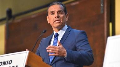 Democratic gubernatorial candidate Antonio Villaraigosa