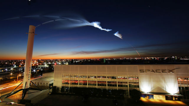 Falcon 9 rocket trail