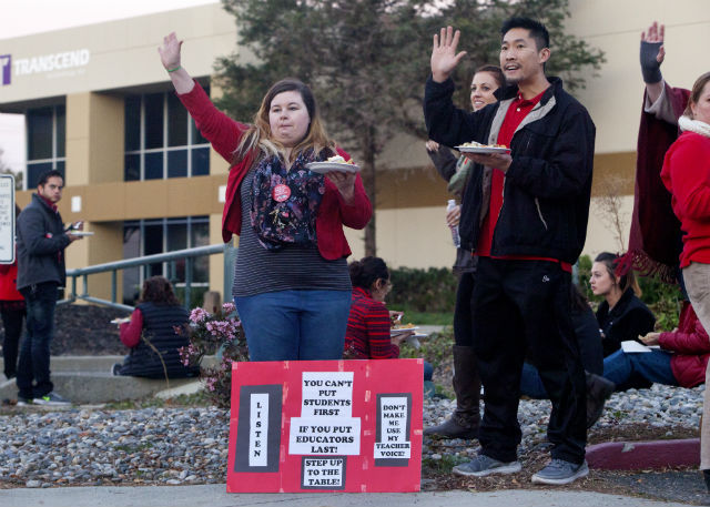 Teachers protest stalled contract talks