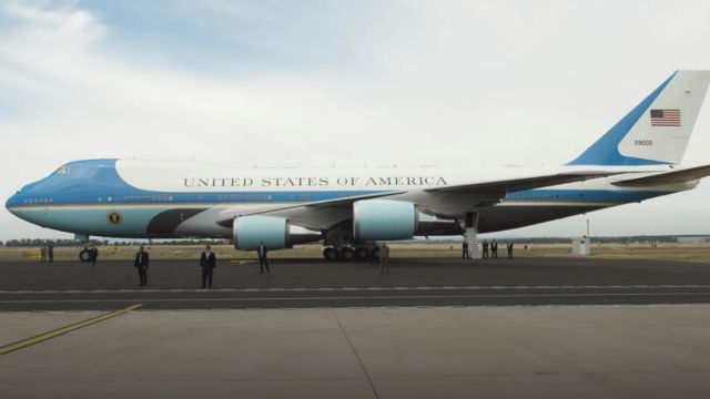 Air Force One arriving
