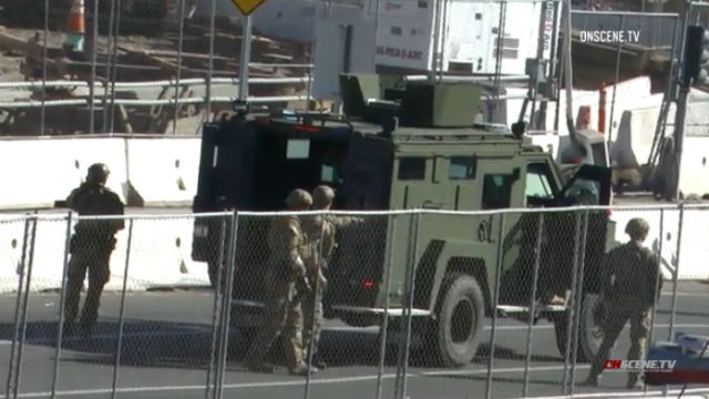 Caravan attempts border crossing