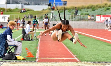 Tara Davis came in 8th in the women's high jump at Mt. Sac Relays in Torrance.