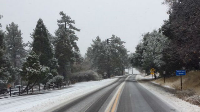 Snow on Route 79 in Cuyamaca