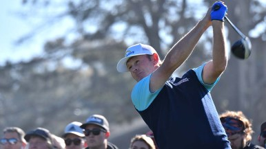Brandt Snedeker tees off Hole 1 at the Farmers Insurance Open.