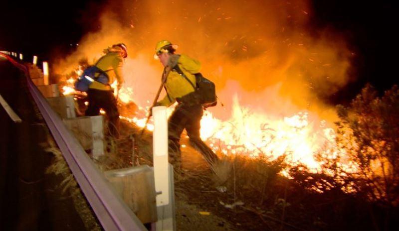 Brush fire on Interstate 5