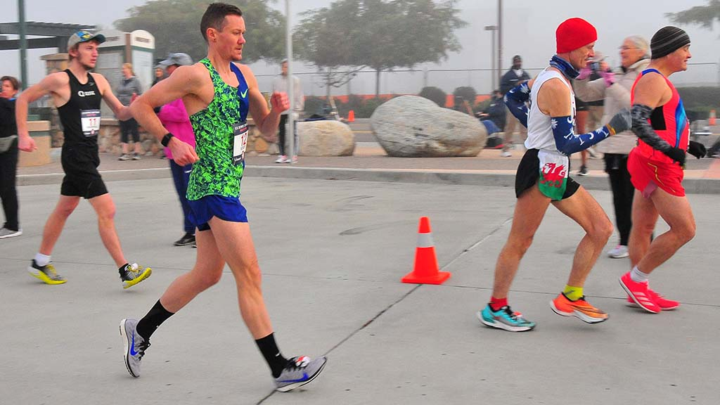 Chris Mosier had a painful right knee at Olympic Trials 50K race walk in Santee.