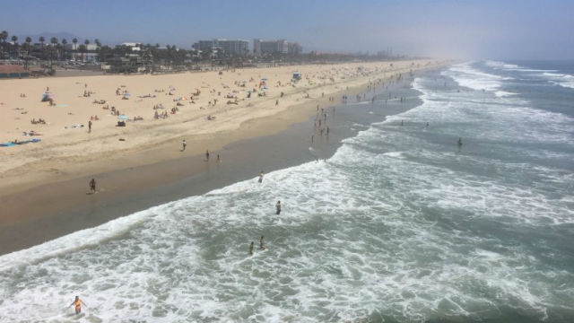 Social distancing on Huntington Beach