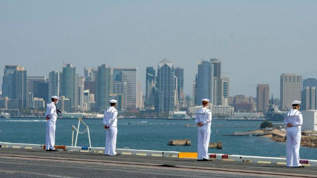 "Sailors ""man the rails"" on the USS Carl Vinson"