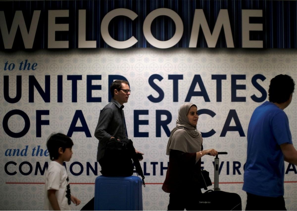 International passengers arrive in Washington