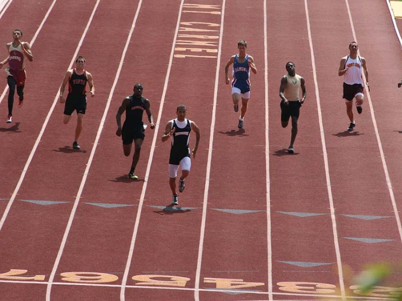 Nico Reaves wins CIF San Diego 400-meter title in 48.01 seconds at Mt. Carmel High School in May 2007.