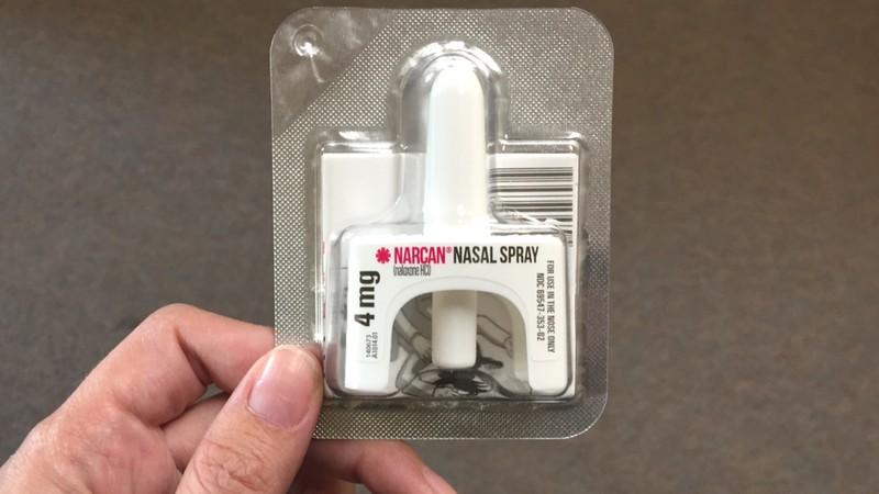 Spray dose of Naloxone
