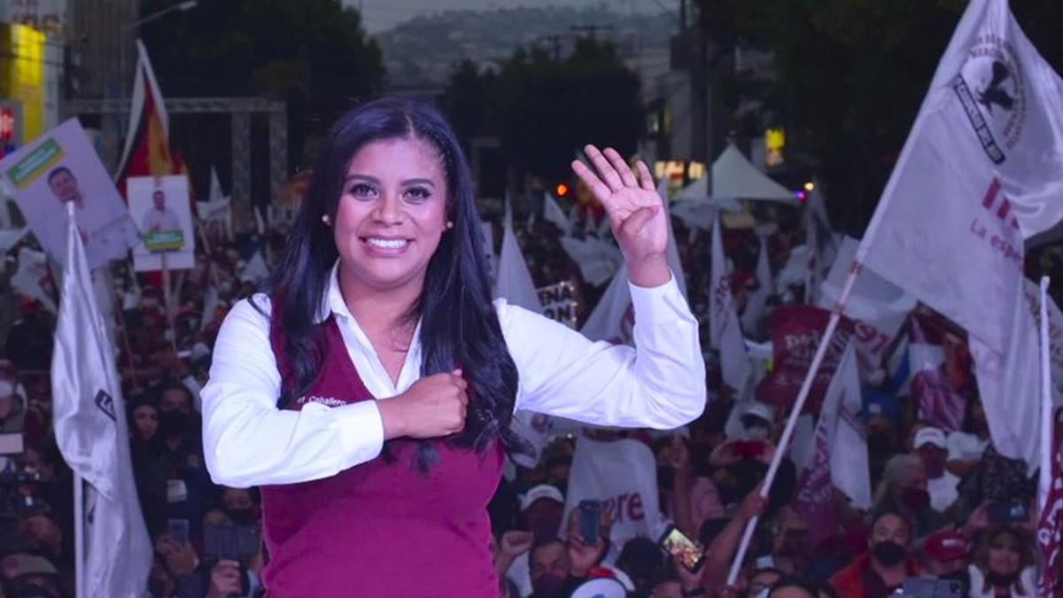 Aventaja Montserrat Caballero