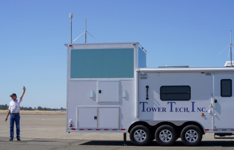 Mobile air-traffic control tower