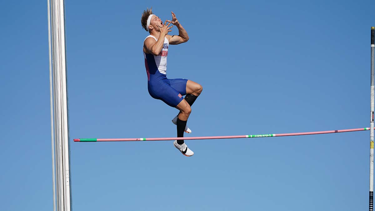 Norweigan Sondre Guttormsen shows his disappointment on a pole vault attempt. Photo by Chris Stone
